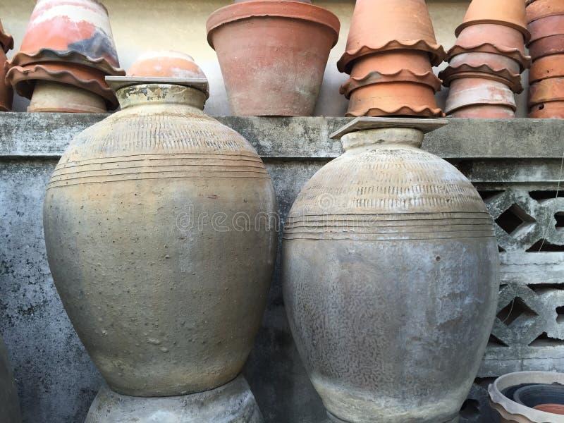 Pot d'antiquités photos libres de droits