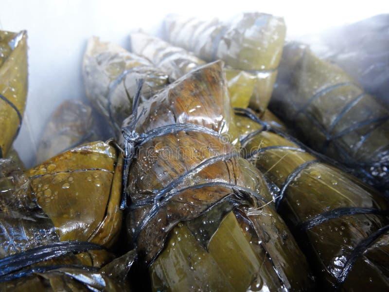 Pot de tamales chaudes sur un marché du Honduras photographie stock libre de droits