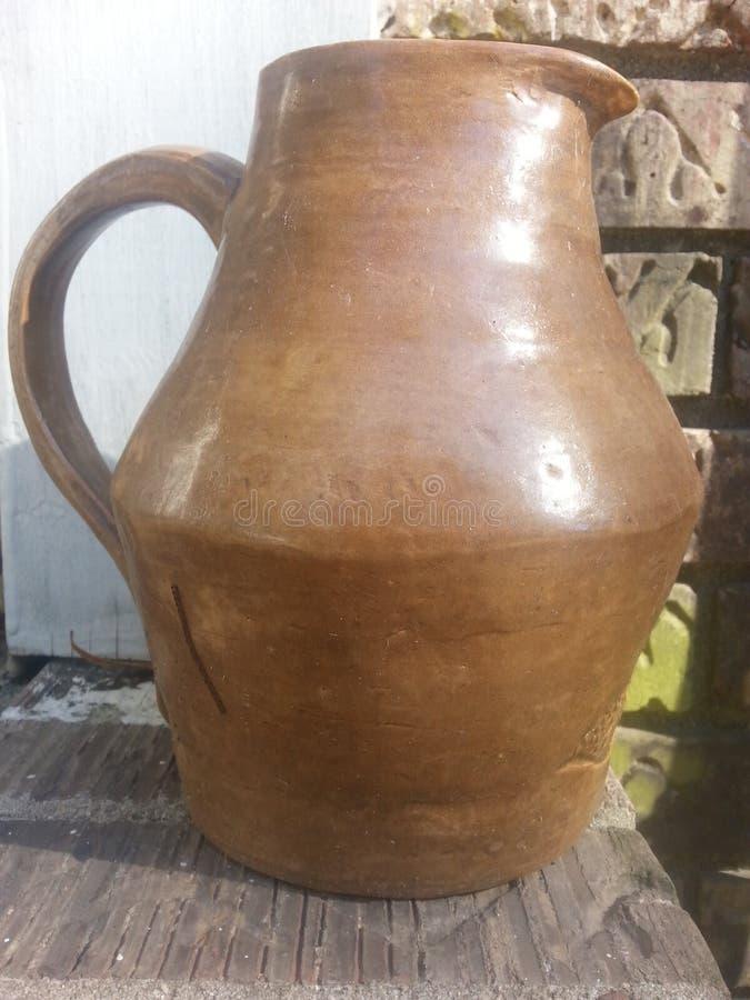 Pot en céramique photographie stock libre de droits