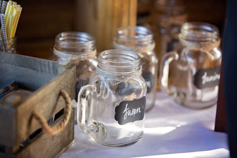 Pot potable en verre personnalisé photographie stock libre de droits