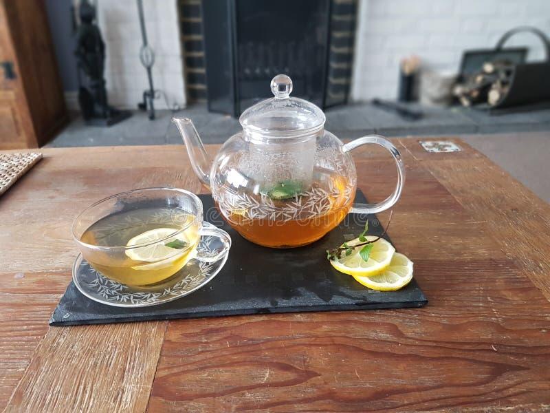 Pot van thee stock afbeelding