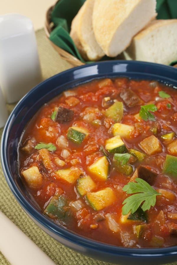 Potage aux légumes méditerranéen Ratatouille photos stock
