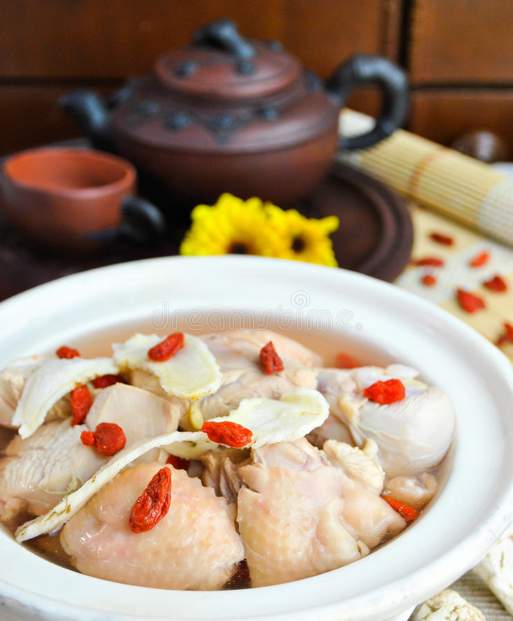 Potage d'herbe de poulet, type chinois de nourriture. photo stock