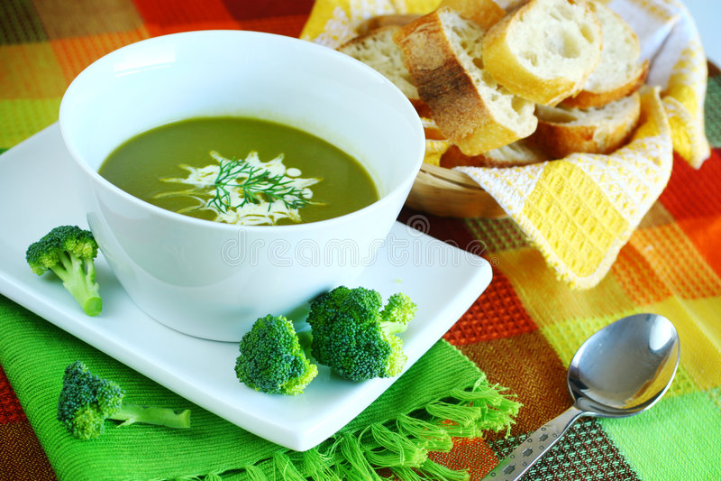 Potage de broccoli photographie stock