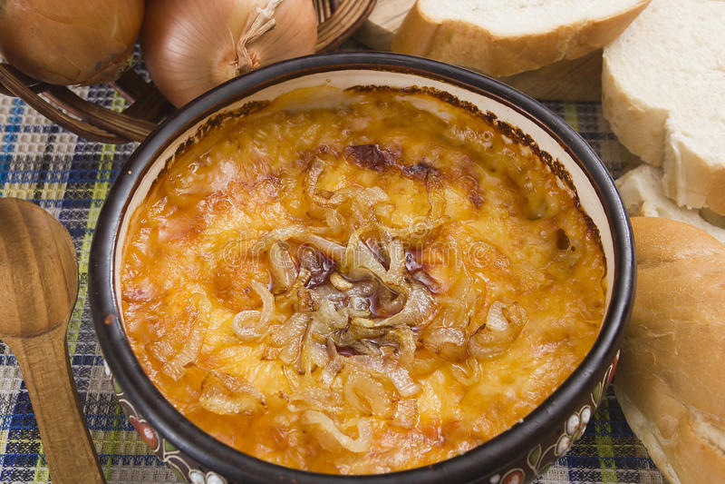 Potage français d'oignon photo stock