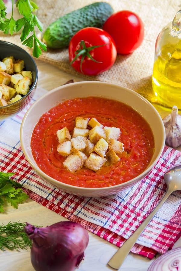 Potage Gazpacho de tomate photographie stock