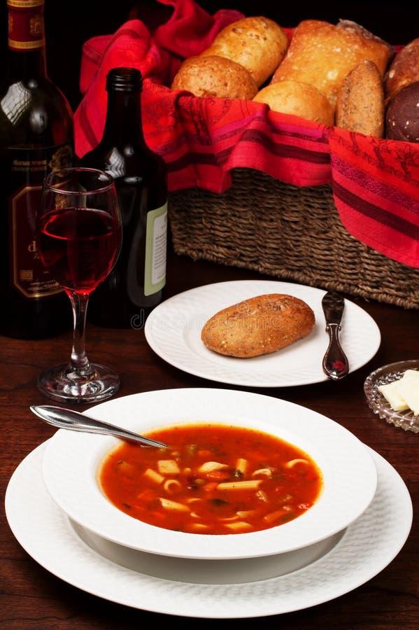 Potage pour le dîner photo libre de droits