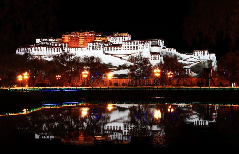 Potala pałac (w Lhasa, Tybet,) obraz stock