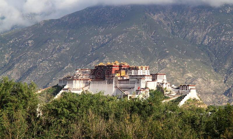 Download Potala Palace stock image. Image of buildings, palace - 27210445
