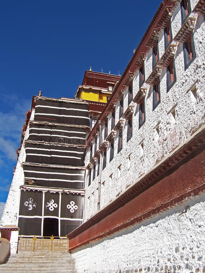 Download Potala palace in Lhasa stock photo. Image of buddha, architecture - 12834686