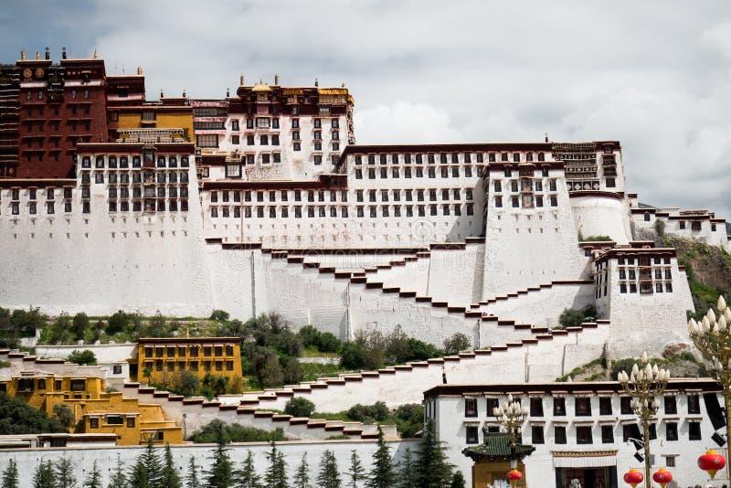 Potala Palast Dalai- Lamaplatz Lhasa, Tibet stockbilder