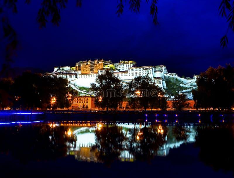 Potala Palast in Lhasa stockbild