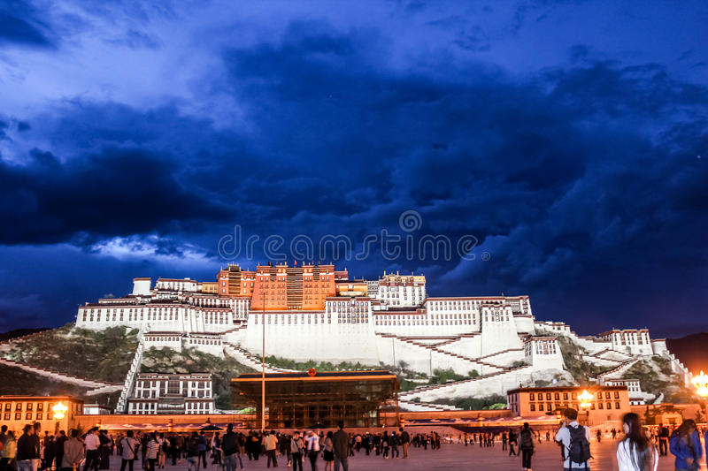 Potala-Palast in Tibet stockbilder