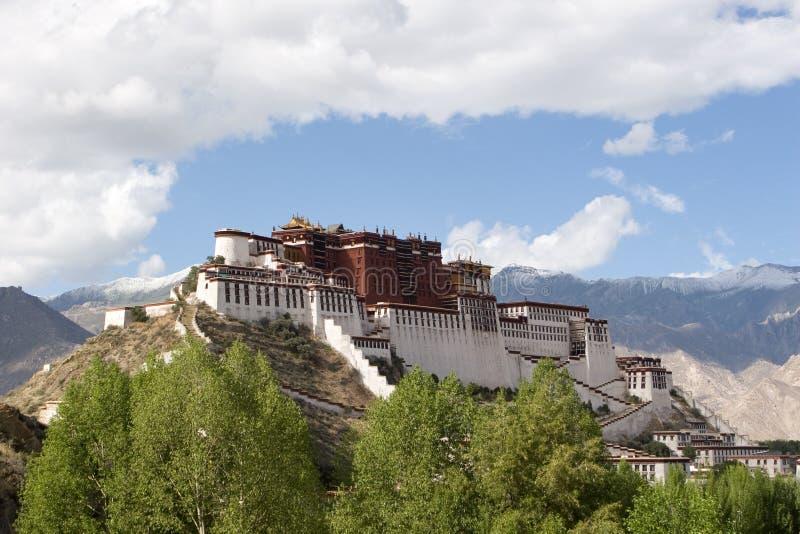 Potala slott i Lhasa arkivbilder
