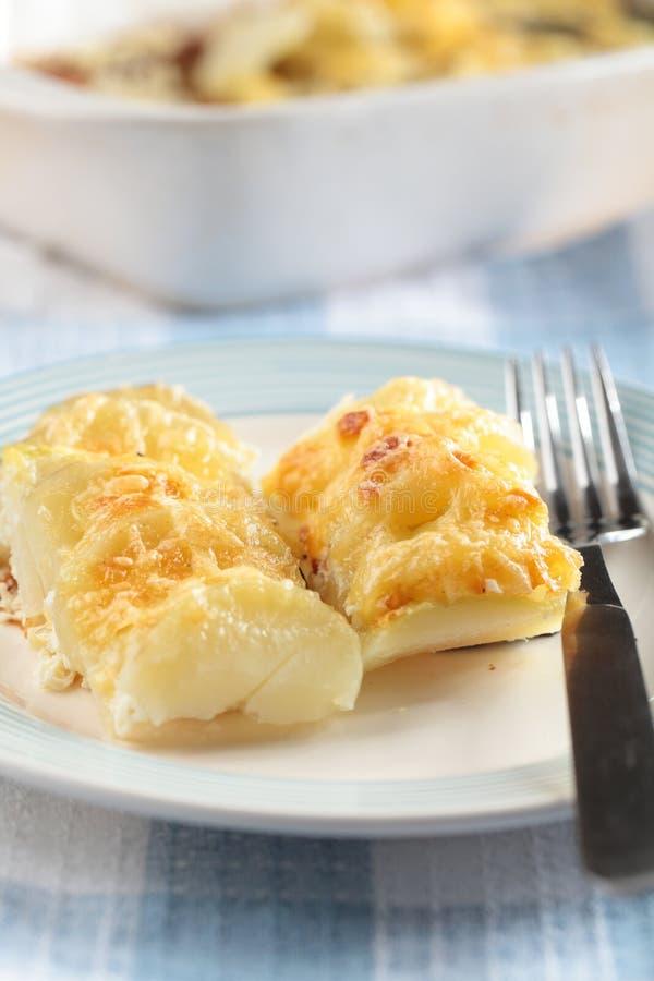 Potatis- och rovagratäng royaltyfria bilder