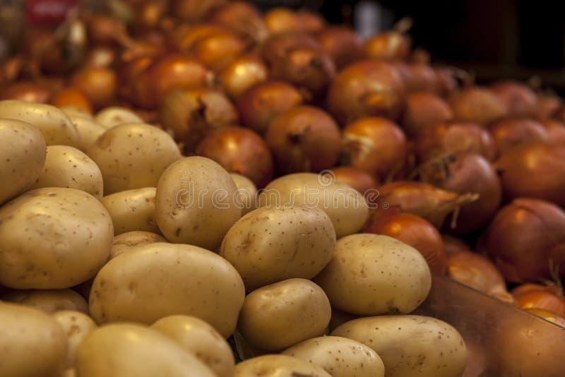 Potatishälsosamma näringskläder för alla vegetariska maträtter och sallader fotografering för bildbyråer