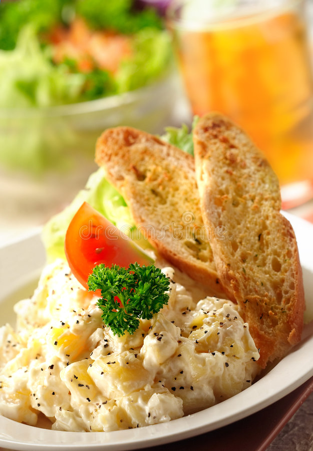 Free Potato Salad Stock Image - 2565881