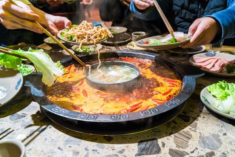 Pote caliente de Chengdu, plato de frotamiento de Sichuan imagen de archivo