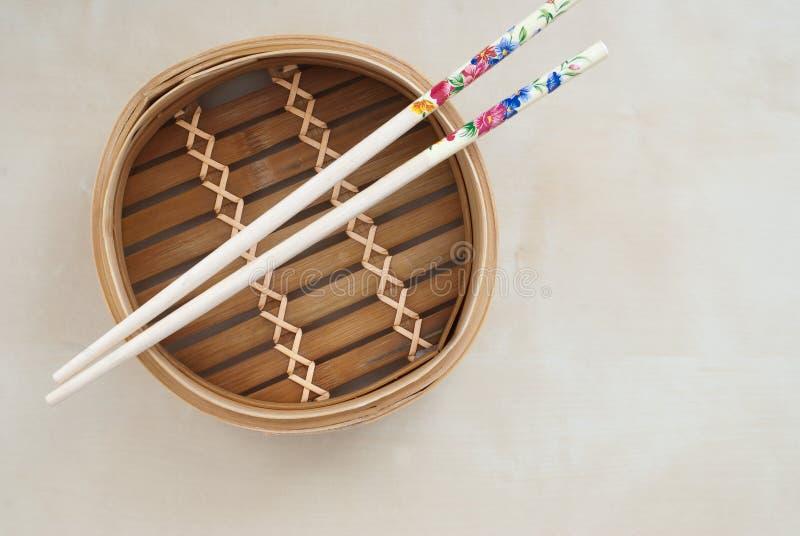 Pote de bambú tradicional imagen de archivo libre de regalías