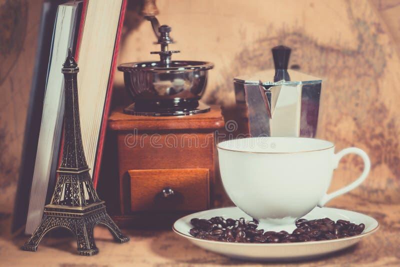 Pote de Coffee de la amoladora de café fotos de archivo