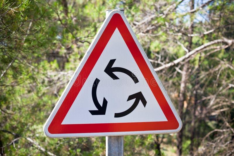 Poteau de signalisation de rond point photo libre de droits