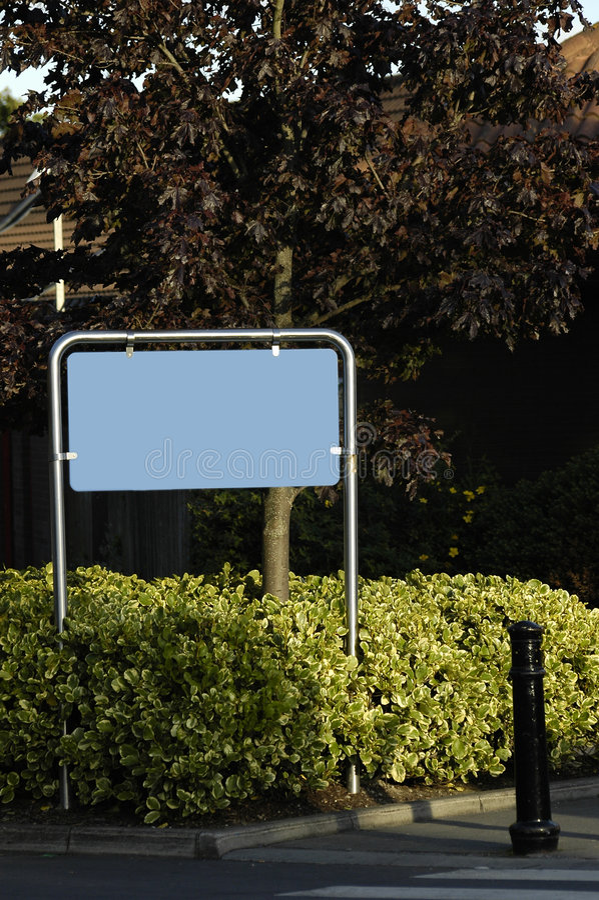 Poteau de signalisation vide image stock