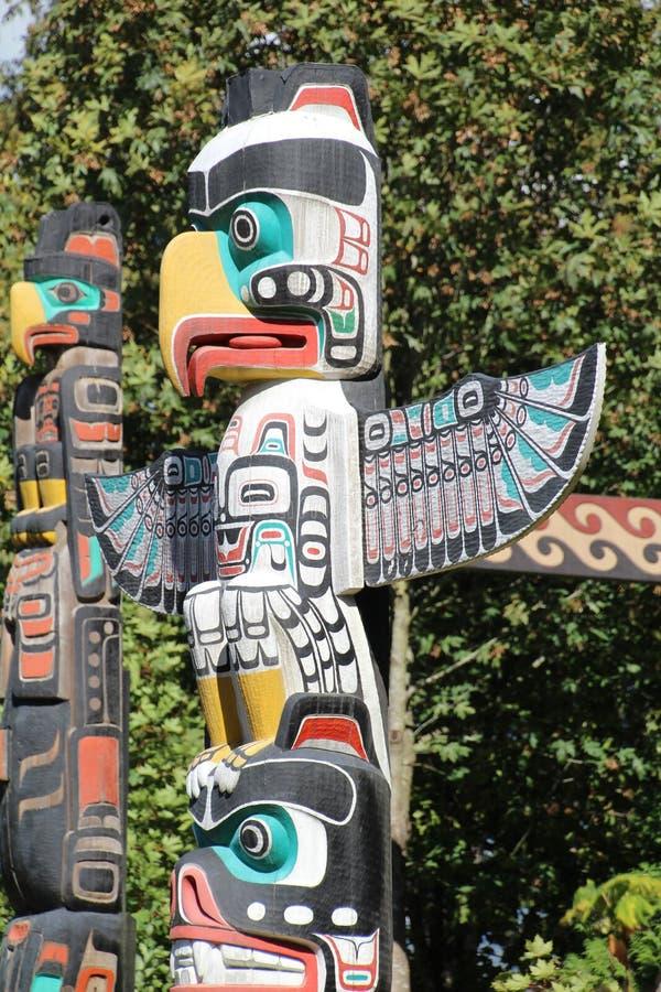 Download Poteau de totem photo stock. Image du sculpture, totem - 77159102