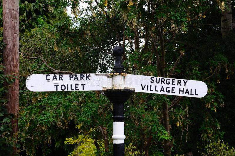 Poteau indicateur de village, Weobley images libres de droits