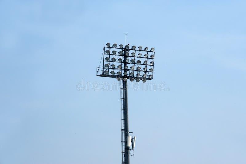 Poteaux d'éclairage de stade photo libre de droits