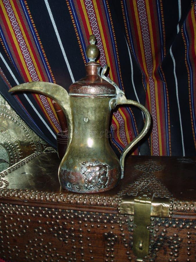Potenciômetro árabe do café foto de stock royalty free