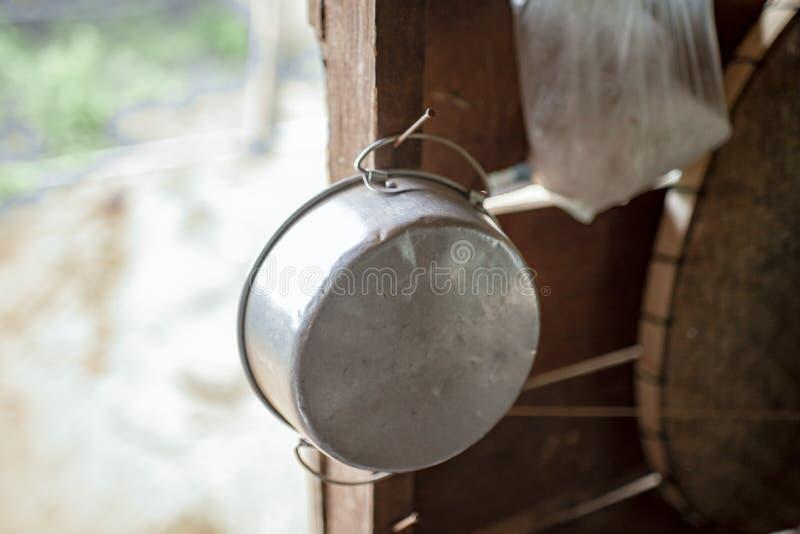 Potenciômetro de alumínio para o alimento foto de stock royalty free