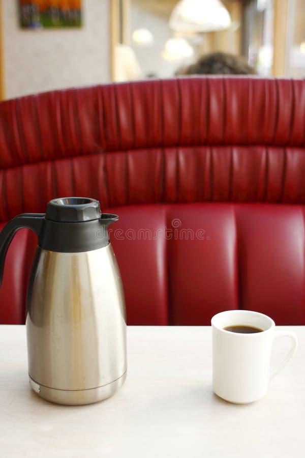 Potenciômetro do café e da caneca fotos de stock royalty free