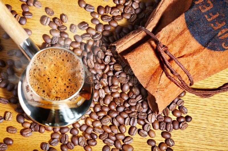 Potenciômetro do café turco fotografia de stock