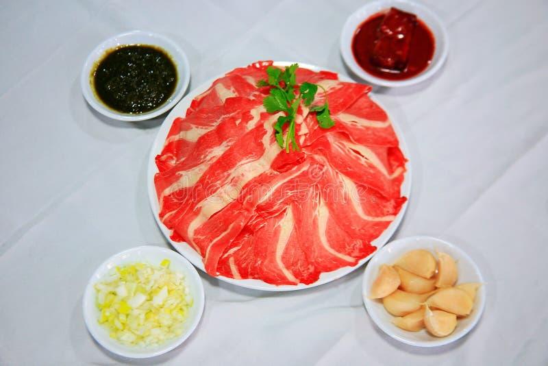 Potenciômetro quente do alimento chinês - materiais do alimento foto de stock