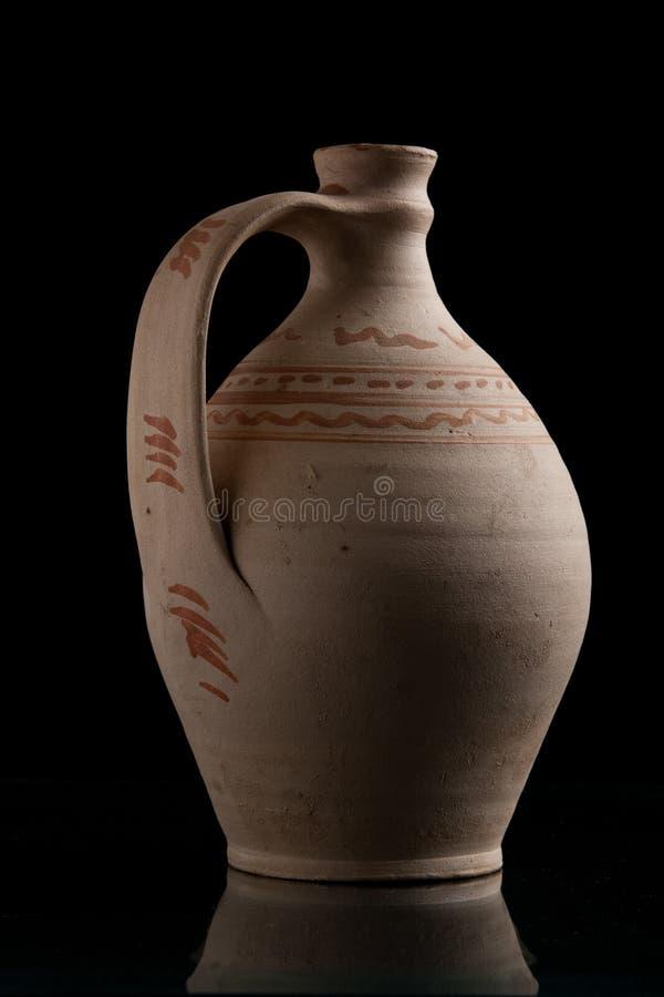 Potenciômetro romano antigo da água imagens de stock
