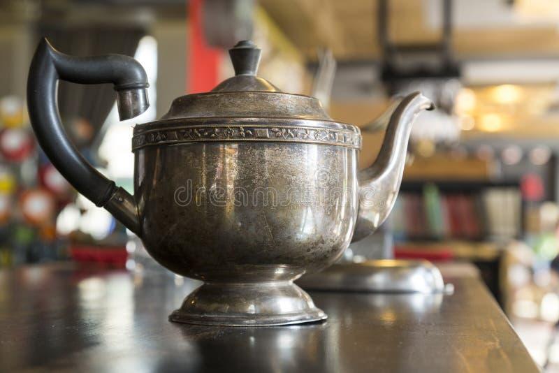 Potenciômetro antigo do chá fotos de stock royalty free