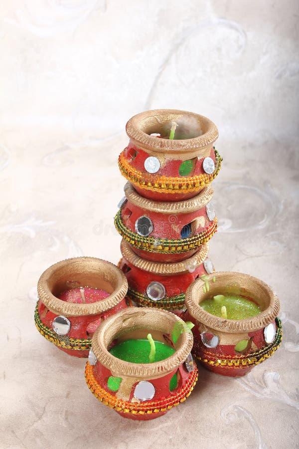 Potenciômetro decorativo indiano da vela foto de stock