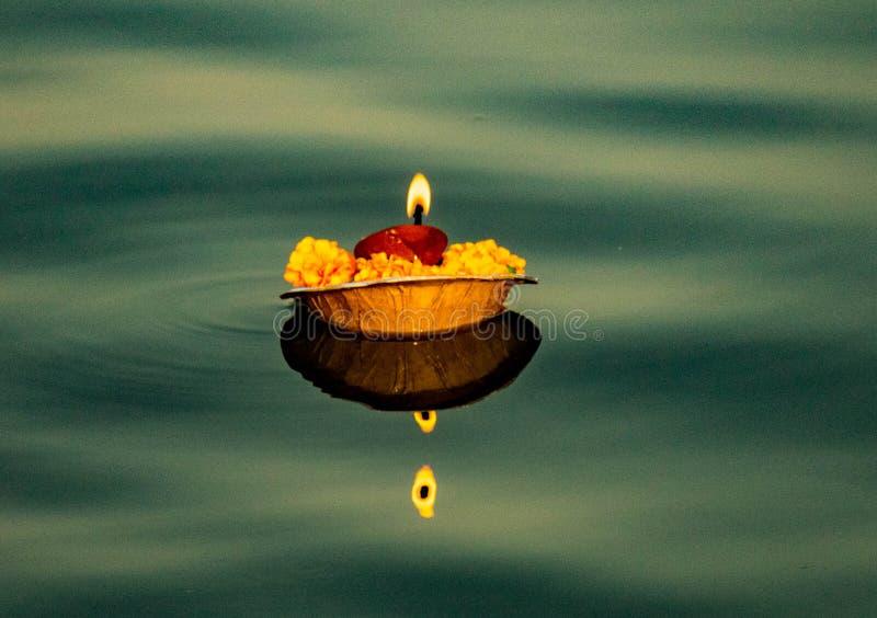 Potenci?metro do fogo no rio santamente Ganga imagens de stock