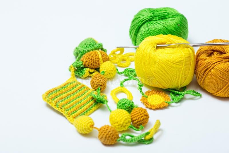 Potenciômetro feito crochê feito a mão com lãs imagem de stock royalty free
