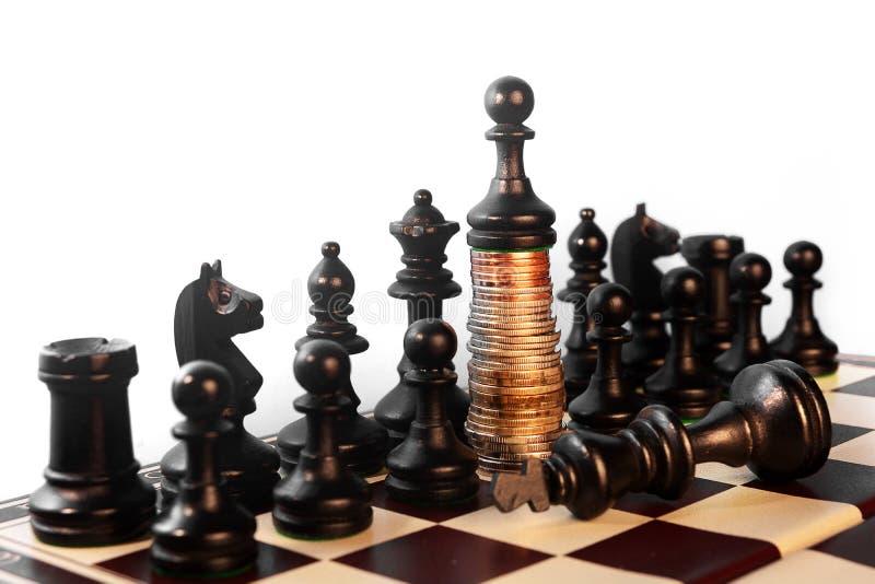 Potere del concetto di scacchi dei soldi fotografie stock libere da diritti