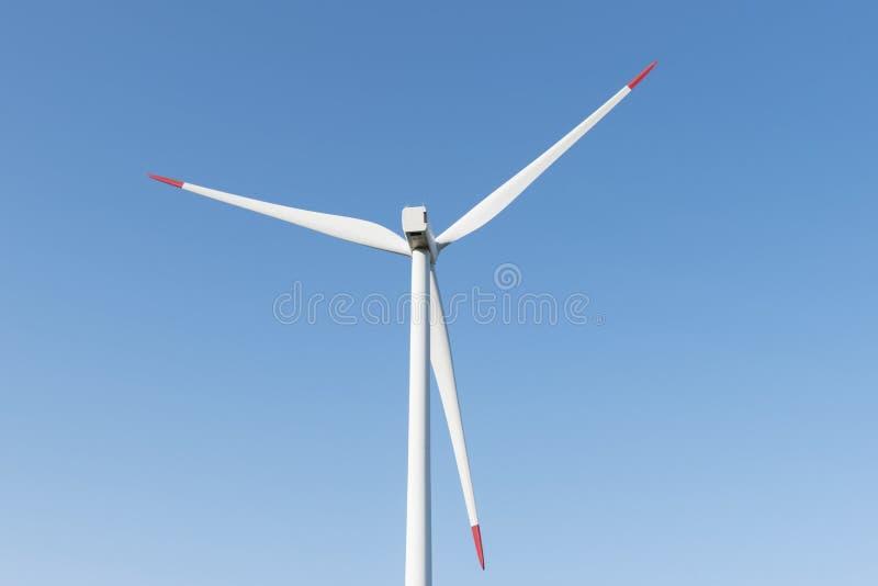Potere del generatore di energia del mulino a vento immagini stock