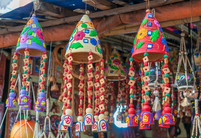 Potes de arcilla con artes foto de archivo libre de regalías