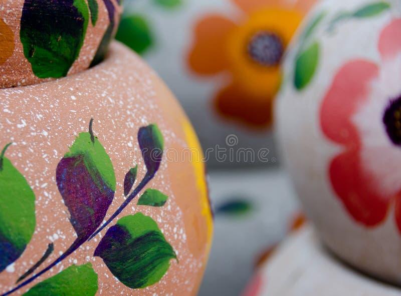 Download Potes De Cerámica Mexicanos, Variedad Rosada Y Púrpura Grande Imagen de archivo - Imagen de mexicano, naturalness: 64203909