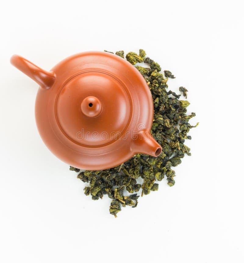 Potes del té de la visión superior con té del oolong fotografía de archivo