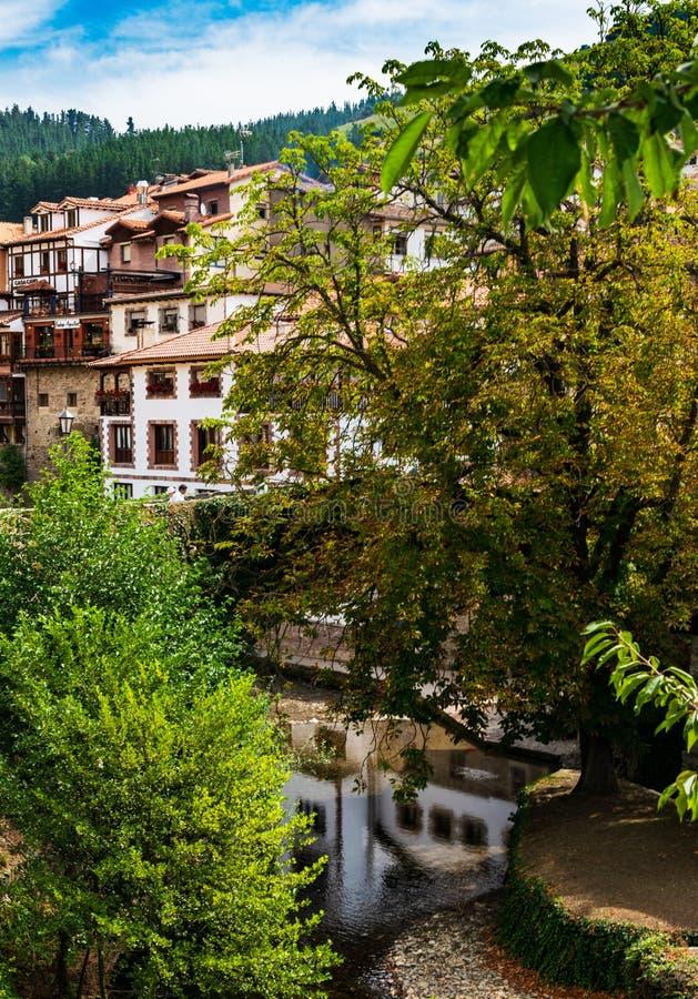 Potes Um dos reboques os mais bonitos da Espanha fotografia de stock