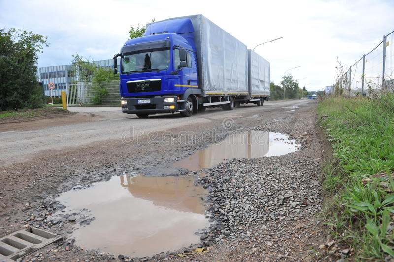 potholes images libres de droits