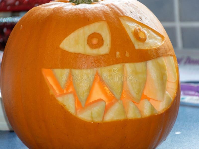 Potirons admirablement découpés de Halloween image libre de droits