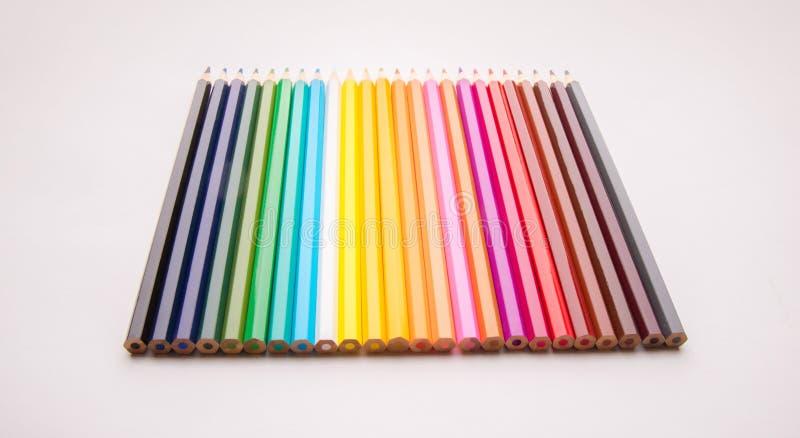 Potloden alle kleuren stock afbeeldingen