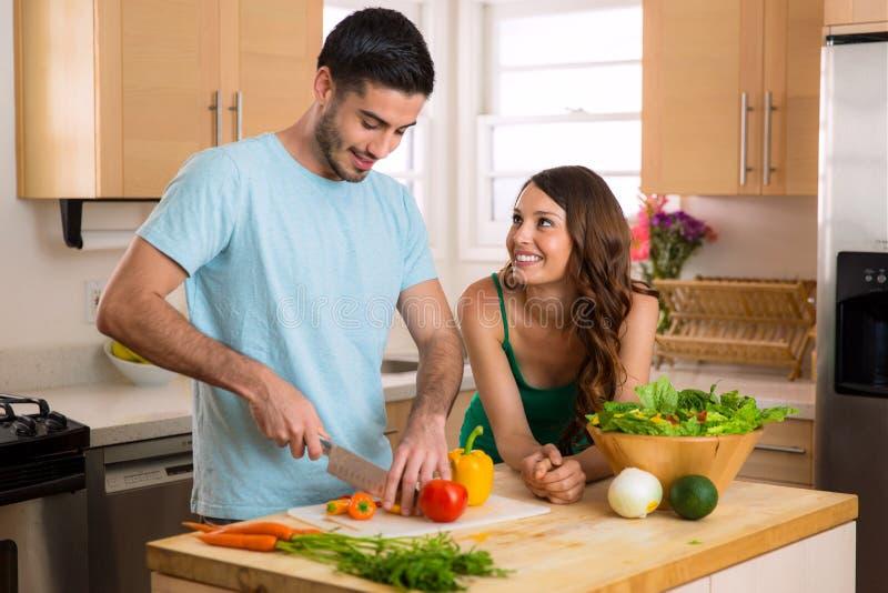 Potomstwa dostosowywali kochanków robi zdrowia jedzeniu dla lunchu i gościa restauracji utrzymywać w kształcie zdjęcia royalty free