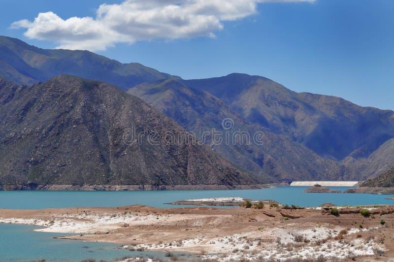 Potrerillos fördämning. Landskap av Mendoza. Argentina royaltyfria bilder